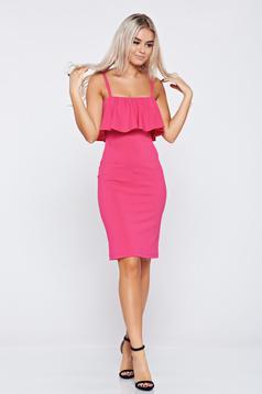 Rochie StarShinerS roz tip creion cu volanase cu bretele
