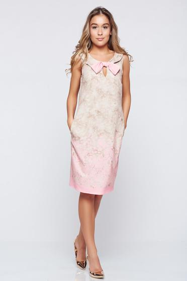 Rochie eleganta fara maneci Fofy rosa accesorizata cu o fundita