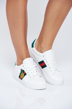 Pantofi sport casual albi cu siret cu insertii de broderie