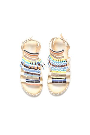 Sandale casual cu franjuri albe cu barete subtiri