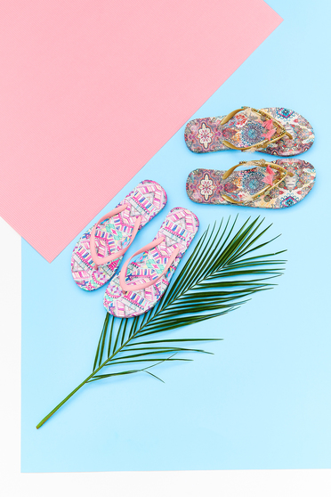 Papuci Top Secret aurii de plaja cu print