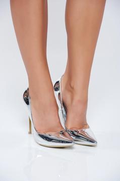 Pantofi eleganti cu toc inalt argintiu cu aspect metalic