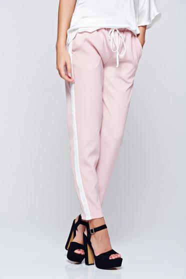 Pantaloni PrettyGirl rosa casual conici cu buzunare