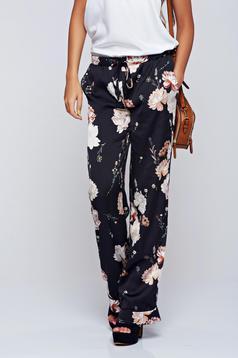 Pantaloni Festival Look by PrettyGirl crem cu imprimeuri florale cu buzunare