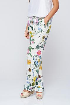 Pantaloni Festival Look by PrettyGirl verzi cu imprimeuri florale cu buzunare