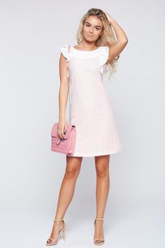 Rochie LaDonna rosa eleganta cu volanase la maneca