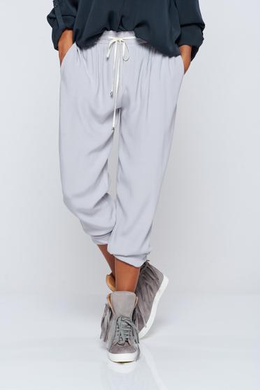 Pantaloni PrettyGirl gri casual din material vaporos cu buzunare