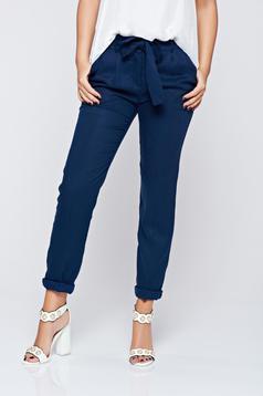 Pantaloni Top Secret albastru-inchis office cu talie medie cu buzunare