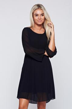 Rochie neagra eleganta din material vaporos cu croi larg
