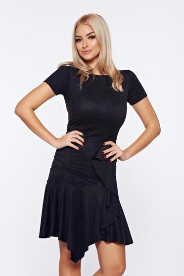 Rochie neagra din velur asimetrica cu volanase