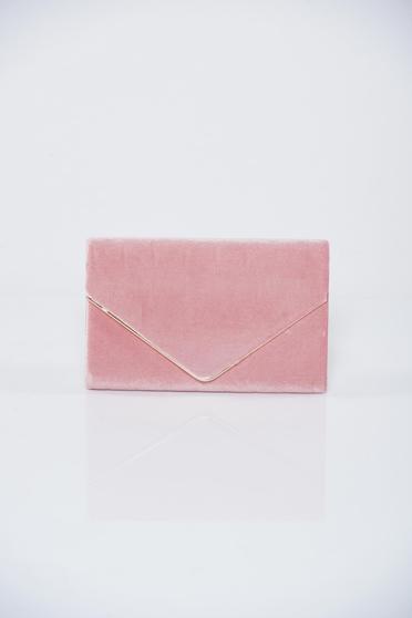 Geanta dama plic rosa accesorizata cu lantisor