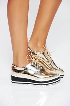 Pantofi auriu casual din piele ecologica cu aspect metalic si cu siret