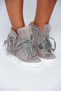 Pantofi sport gri casual cu siret cu franjuri