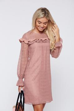 Rochie LaDonna rosa eleganta din material dantelat cu volanase