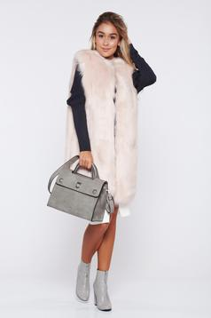 Vesta rosa din blana ecologica cu un croi drept