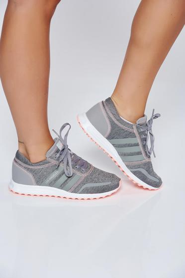 poze cu Pantofi sport Adidas Originals gri casual cu talpa usoara cu siret