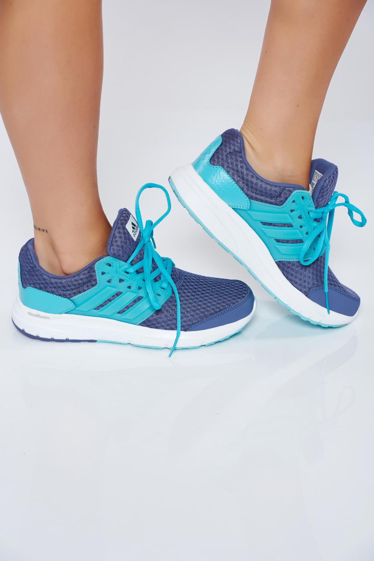 Pantofi sport Adidas albastri casual cu dungi verticale cu talpa usoara