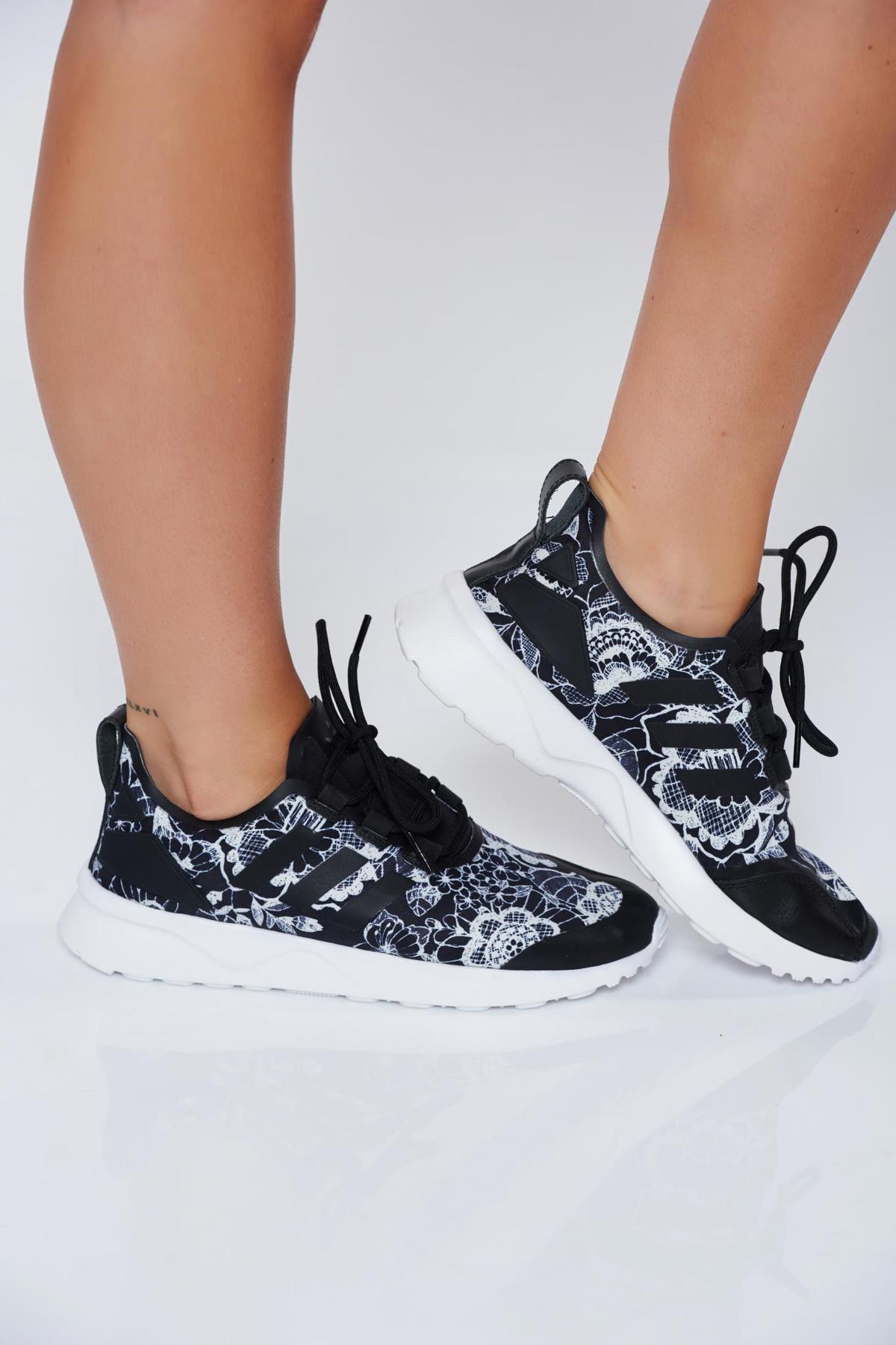 Pantofi sport Adidas Originals negri casual cu talpa usoara cu siret