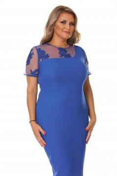 Rochie albastra de ocazie tip creion cu insertii de broderie