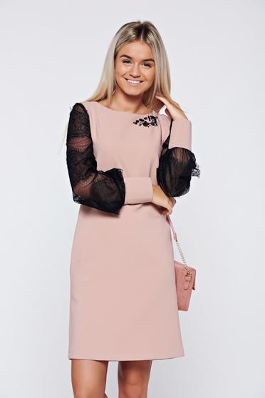 Rochie LaDonna rosa eleganta cu croi larg cu maneci din dantela