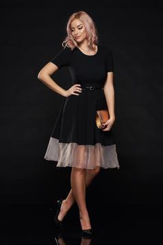 Rochie PrettyGirl neagra eleganta in clos cu tul