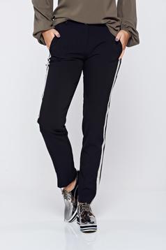 Pantaloni PrettyGirl negri casual conici cu dungi verticale