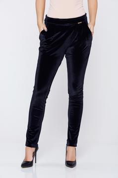 Pantaloni PrettyGirl negri casual cu buzunare catifea