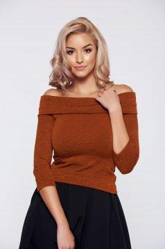 Pulover StarShinerS Fall in Love caramiziu tricotat pe umeri
