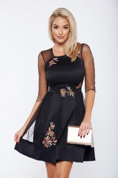 Rochie StarShinerS fall in love neagra brodata din material satinat din tul