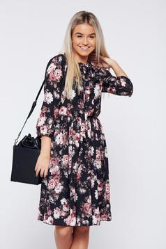 Rochie PrettyGirl neagra eleganta midi cu imprimeu floral