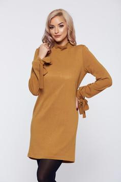 Rochie StarShinerS galbena tricotata cu croi larg captusita pe interior
