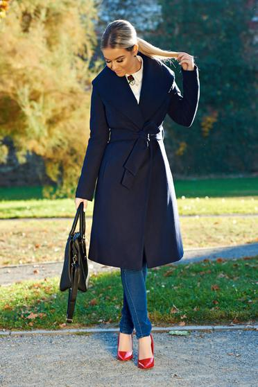 Palton LaDonna albastru-inchis elegant din lana in clos brodat accesorizat cu cordon