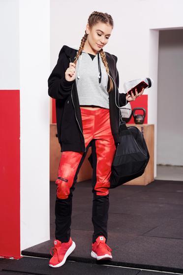 Pantaloni Adidas Originals rosii sport din material elastic captusiti pe interior