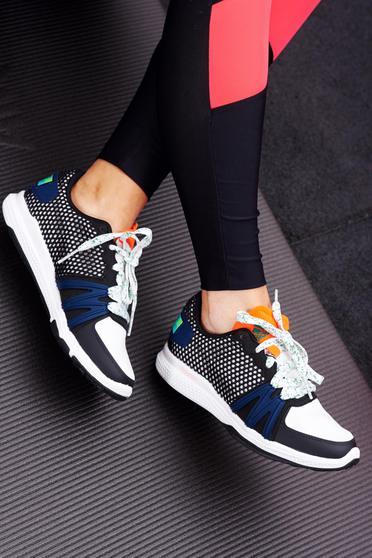 Pantofi sport Adidas Originals StellaSport negri cu talpa usoara cu siret