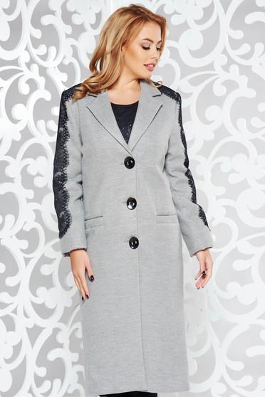 Palton LaDonna gri elegant cu un croi drept din lana captusit pe interior cu aplicatii de dantela