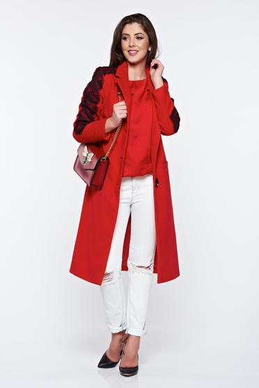 Palton LaDonna rosu cu aplicatii de dantela elegant drept captusit pe interior