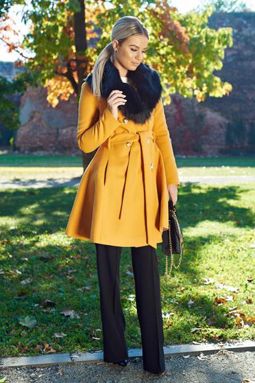 Palton LaDonna mustariu elegant din lana cu insertii de blana ecologica detasabile