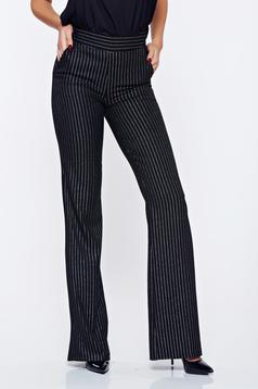 Pantaloni Fofy negri office evazati cu dungi verticale