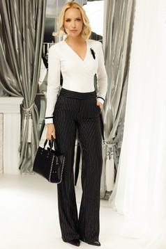 Pantaloni Fofy negri office cu talie medie evazati din stofa usor elastica cu buzunare