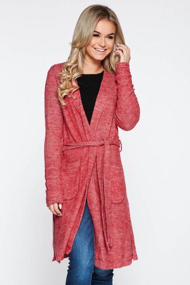 Cardigan PrettyGirl rosu tricotat din material pufos accesorizat cu cordon