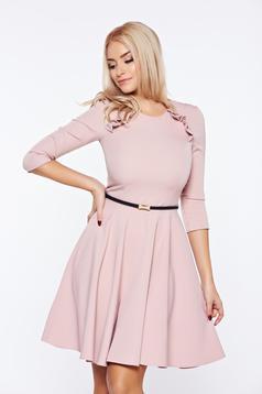 Rochie StarShinerS rosa eleganta de zi cu accesoriu tip curea