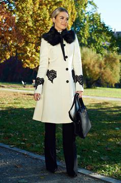 Palton LaDonna alb best impulse elegant din lana brodat captusit pe interior