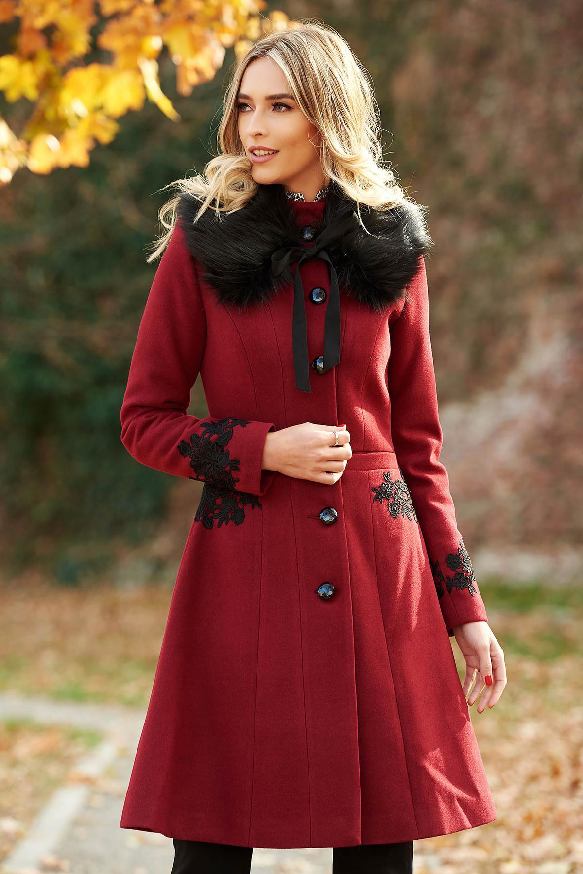 Palton LaDonna visiniu Best Impulse elegant din lana cu insertii de broderie captusit pe interior cu buzunare