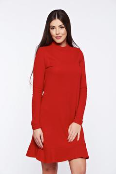 Rochie PrettyGirl rosie de zi cu volanase la baza rochiei