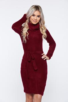 Rochie PrettyGirl visinie casual tricotata din material pufos pe gat