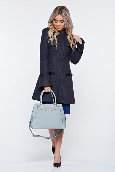 Palton LaDonna gri-inchis elegant din lana drept cu guler rotunjit accesorizat cu fundite