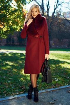 Palton LaDonna visiniu elegant cu guler din blana captusit pe interior