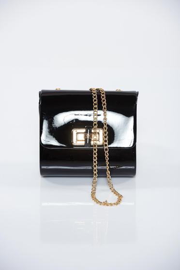 Geanta dama neagra cu aspect metalic accesorizata cu lantisor