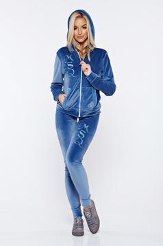 Set MissQ albastru din 2 piese cu pantaloni casual din catifea