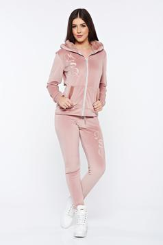 Set MissQ rosa din 2 piese cu pantaloni casual din catifea